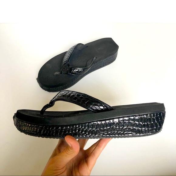 Volatile Mini Crocodile Platform Flip Flop Size 9